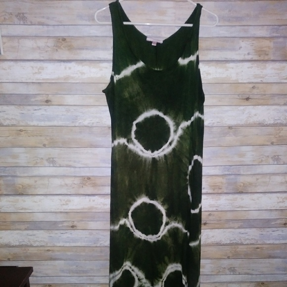 Romeo & Juliet Couture Dresses & Skirts - Romeo and Juliet tie die maxi dres